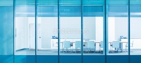 Empty conference roomの写真素材 [FYI02154017]