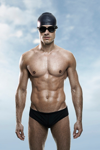 Swimmer wearing cap and gogglesの写真素材 [FYI02154419]