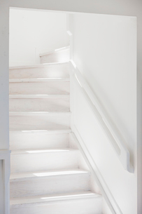 White staircaseの写真素材 [FYI02154881]