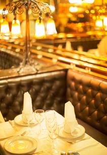 Set table in restaurantの写真素材 [FYI02157490]
