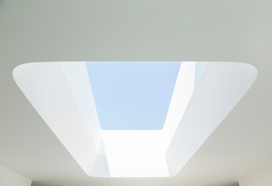 Skylight in modern houseの写真素材 [FYI02159475]
