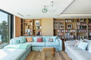 Living roomの写真素材 [FYI02160729]