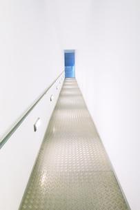 Illuminated rampの写真素材 [FYI02161253]
