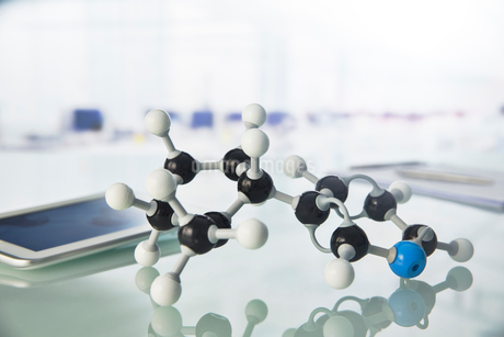 Close up of molecular model on counter in labの写真素材 [FYI02161917]