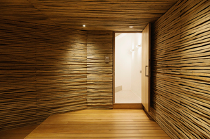 Wooden entryの写真素材 [FYI02162350]