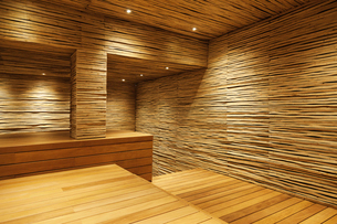 Wooden room in modern houseの写真素材 [FYI02162660]
