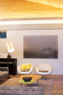 Illuminated living roomの写真素材 [FYI02167158]