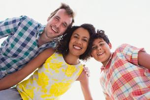 Portrait enthusiastic familyの写真素材 [FYI02168203]