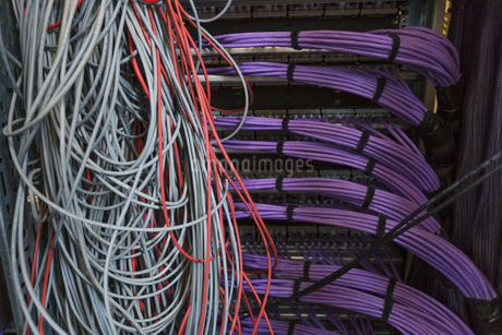 Server room cable wiresの写真素材 [FYI02171671]