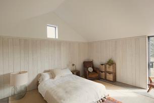 Simple bedroom home showcaseの写真素材 [FYI02172838]