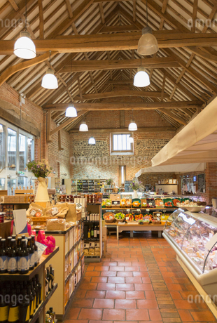Market with vaulted wood beam ceilingの写真素材 [FYI02173375]