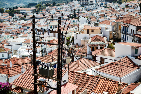 Red tiled rooftops, Skopelos, Greeceの写真素材 [FYI02173604]