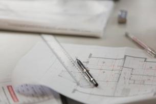 Blueprint, ruler and pencilの写真素材 [FYI02173878]