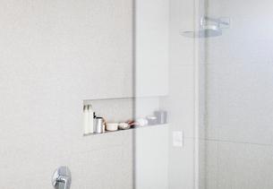 Modern white shower stallの写真素材 [FYI02177892]