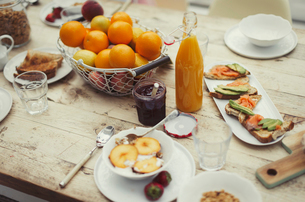 Still life breakfast on rustic dining tableの写真素材 [FYI02179774]