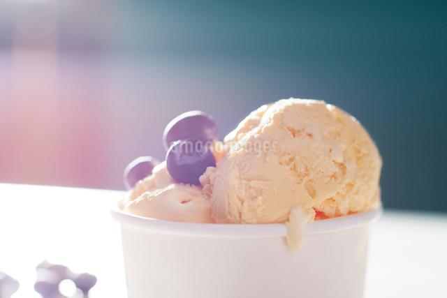 アイスクリーム の写真素材 [FYI02180555]