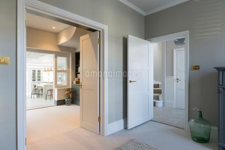 Luxury home showcase interiorの写真素材 [FYI02181191]