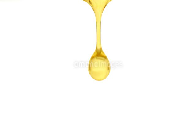 えごま油のしずくの写真素材 [FYI02182621]