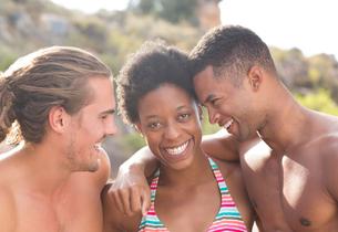 Portrait of smiling friendsの写真素材 [FYI02185930]