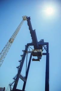 Low angle view of cargo craneの写真素材 [FYI02186677]