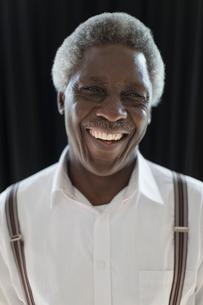 Portrait smiling, confident senior manの写真素材 [FYI02187359]