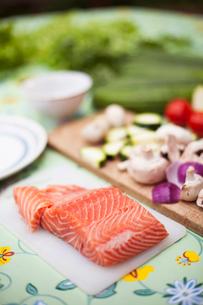 Sweden, Uppland, Vato, Salmon steakの写真素材 [FYI02189270]
