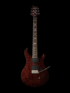Studio shot of electric guitarの写真素材 [FYI02189885]