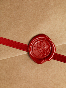 Close up of wax seal on packageの写真素材 [FYI02190050]