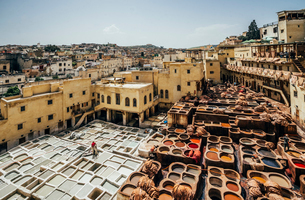 Scenic view of leather tannery dye pits, Fes, Moroccoの写真素材 [FYI02190989]