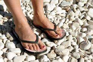 Greece, Lefkas, View of feetの写真素材 [FYI02191268]