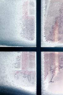 Sweden, Jamtland, Bydalen, Window with frostの写真素材 [FYI02192869]