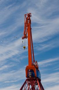 Sweden, Goteborg, Crane against skyの写真素材 [FYI02192958]