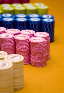 Caribbean, Close up of gambling chipsの写真素材 [FYI02193423]