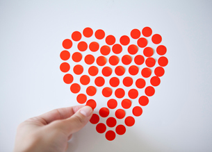 Heart shape on white backgroundの写真素材 [FYI02193462]