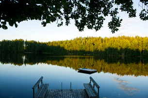 Finland, Scenic landscape with lakeの写真素材 [FYI02193583]