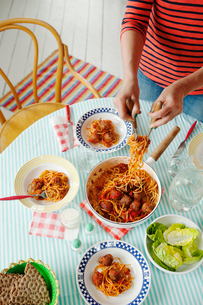 Sweden, Spaghetti with homemade meatballs in tomato sauceの写真素材 [FYI02193642]