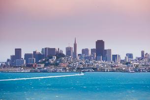 USA, California, San Francisco, Cityscape on sunny dayの写真素材 [FYI02194823]