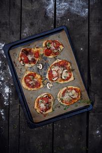 Pizza's preparationの写真素材 [FYI02195893]