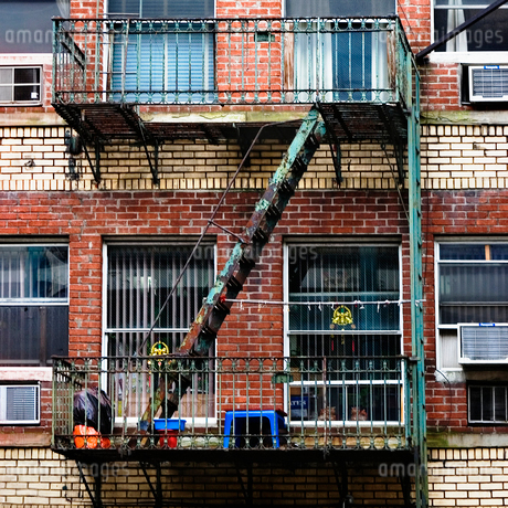 USA, New York State, New York City, Manhattan, View of fire escape staircaseの写真素材 [FYI02196219]