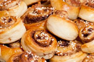 Cinnamon bunsの写真素材 [FYI02196615]