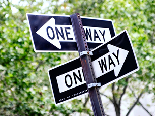 """USA, New York, Close-up of """"one way"""" road signの写真素材 [FYI02196930]"""