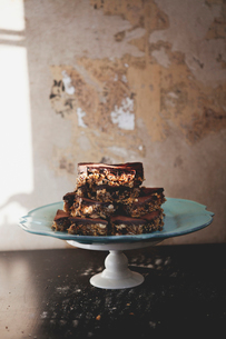 Chocolate cake with nuts on tableの写真素材 [FYI02197150]