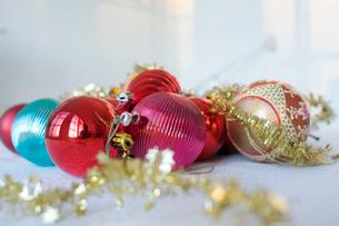 Decorated Christmas bulbsの写真素材 [FYI02198688]