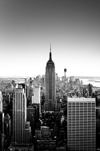 USA, New York State, New York City, Manhattan, View of Empire State Building at sunsetの写真素材 [FYI02198892]