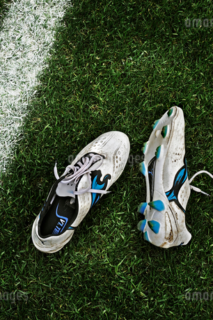 Pair of soccer shoesの写真素材 [FYI02200076]