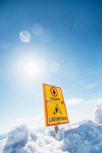 Sweden, Jamtland, Areskutan, Are, Avalanche warning signの写真素材 [FYI02200109]