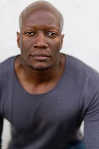 Sweden, Studio portrait of mid adult man on white backgroundの写真素材 [FYI02200682]