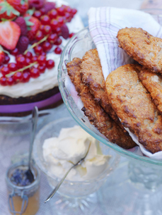 Sweden, Deep fried sweet cakes on cake standの写真素材 [FYI02200801]