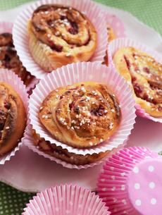 Sweden, Close-up of cinnamon bunsの写真素材 [FYI02201297]