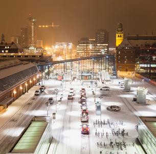 Sweden, Skane, Malmo, Railroad station at nightの写真素材 [FYI02201585]